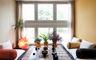 Ruang keluarga lesehan minimalis