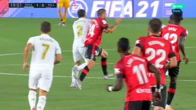 Real ghi một bàn thắng không hợp lệ nhờ trọng tài