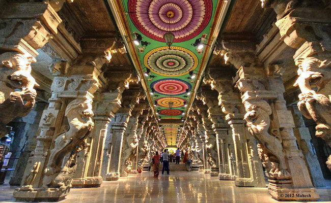 www.Xvlor.com Meenakshi Amman Temple is sacred Hindu dedicated to Parvati and Shiva