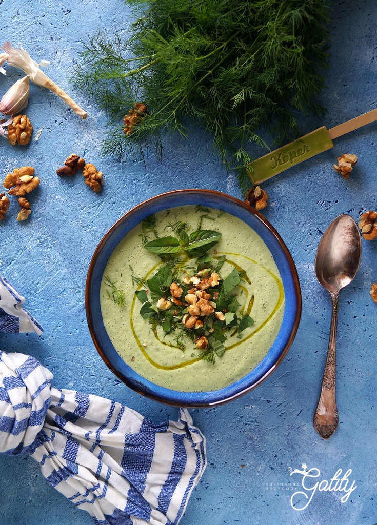 zielona-zupa-w-misce