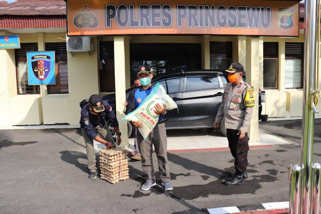 Karang Taruna Kabupaten Pringsewu Serahkan Bantuan ke Polres Pringsewu untuk penaganan Covid19