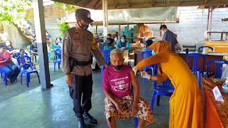 40 Personel Batalyon Vaksinator Polresta Mataram Siap Kawal Vaksinasi Lansia
