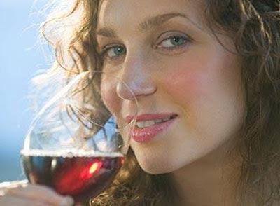 """Rượu vào càng """"yêu"""" hơn"""