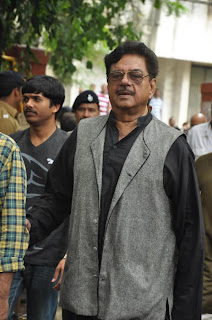 Bollywood Celbs attend the Pran's Last Journey