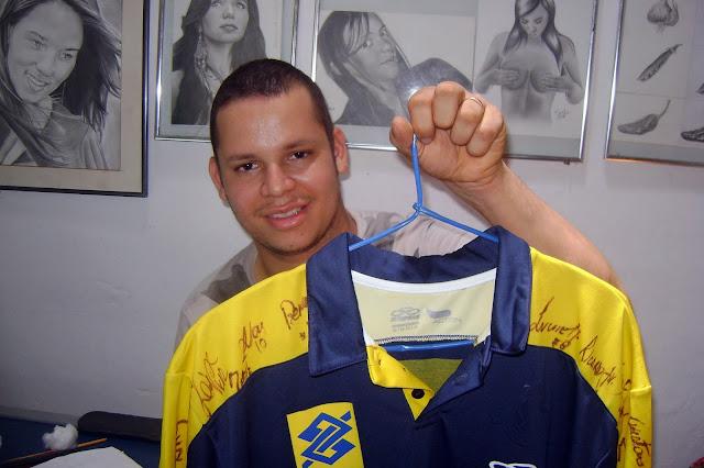 Agradeço a Seleção Brasileira de Vôlei pela Camiseta Autografada.  uns dos momento mais especial na minha vida  Carlos Silva