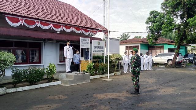 HUT RI Ke-76, Personel Jajaran Kodim 0208/Asahan Laksanakan Upacara Pengibaran Bendera Merah Putih Diwilayah