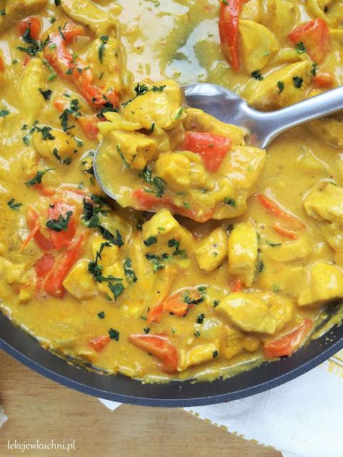 Kurczak w sosie curry przepis