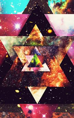образува се от 2 равностранни триъгълника или пирамиди