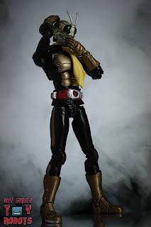 S.H. Figuarts Shocker Rider (THE NEXT) 02