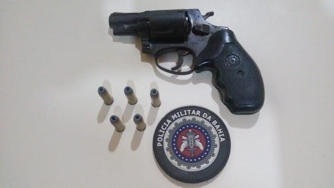 Policiais da 24ª CIPM prendem indivíduo por porte ilegal de arma de fogo em Ourolândia
