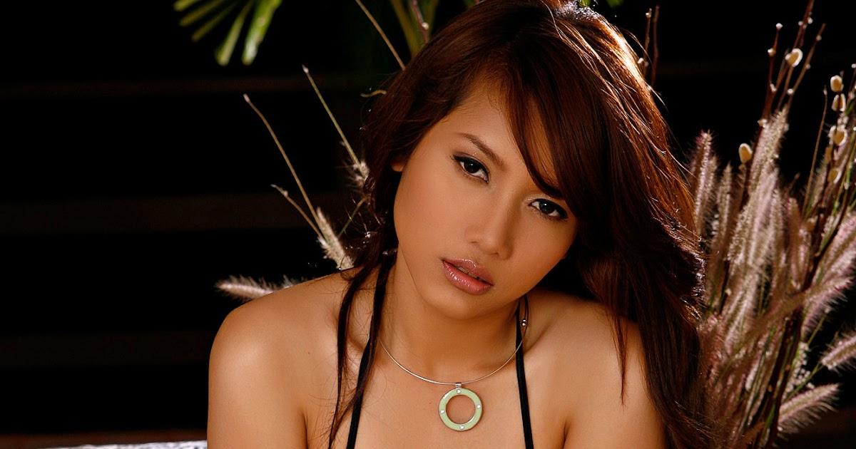 Asian girls in pantyhose punish