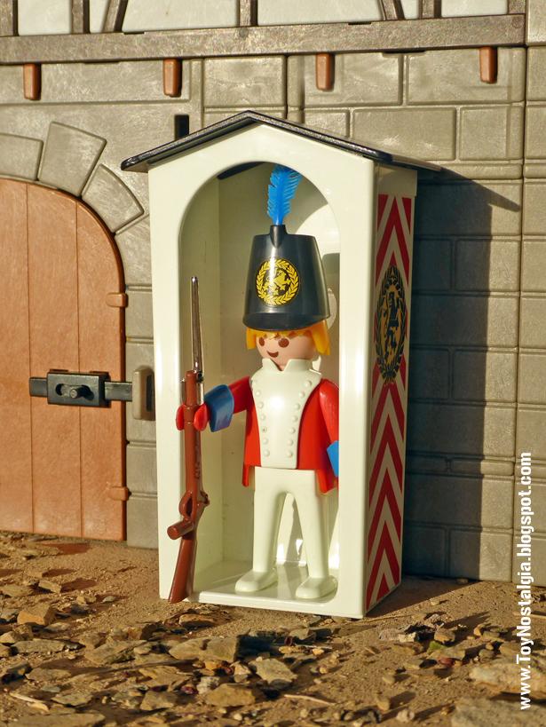 Playmobil 3544, soldado casaca roja haciendo guardia en garita de cuartel  (Playmobil 3544 - redcoats)
