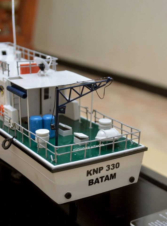 souvenir maket miniatur kapal kplp knp 330 bakamla patroli batam bergaransi