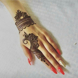 Beautiful mehndi designs pictures and photos