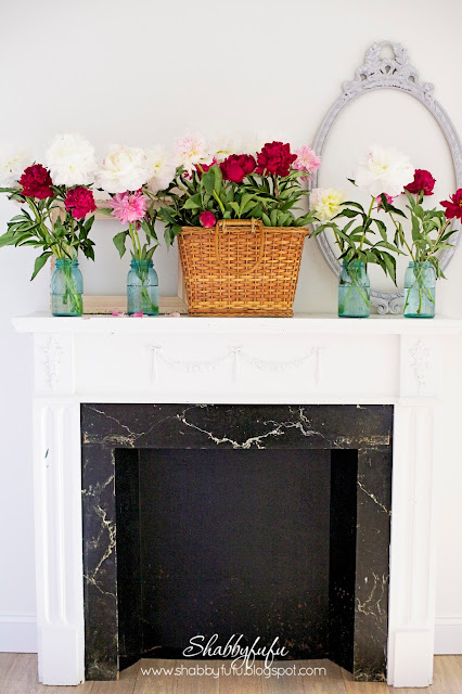 summer mantel styling