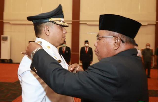 Yasin Ali Lantik Hasym Daeng Barang Sebagai Penjabat Walikota Ternate.lelemuku.com.jpg