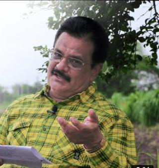 प्रसाद माधव कुलकर्णी.