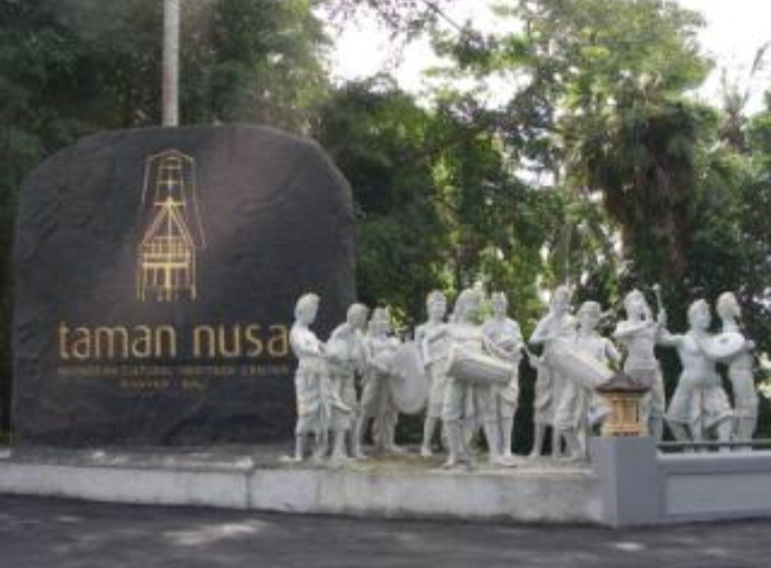 Traveling Wisata Keluarga Taman Nusa Bali