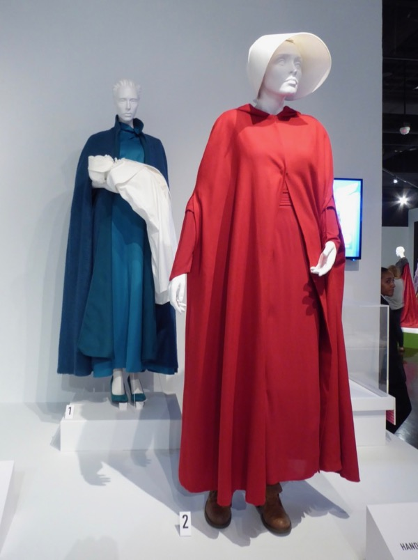 Margaret Atwood The Handmaid's Tale : margaret, atwood, handmaid's, Hollywood, Movie, Costumes, Props:, Emmy-nominated, Handmaid's, Display