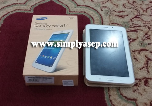 CHARMING: This is the look of the BOX and Samsung Galaxy Tab 3V devices that I partially opened. Prices in the range of 1.8 Million rupiah. Photo of Asep Haryono
