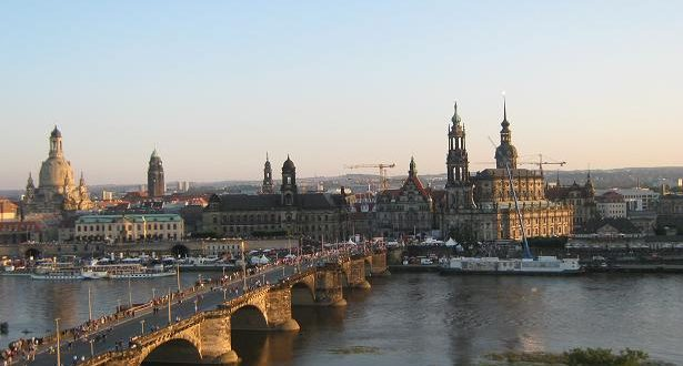 العثور على عبوة ناسفة على جسر في مدينة دردسن بشرق ألمانيا