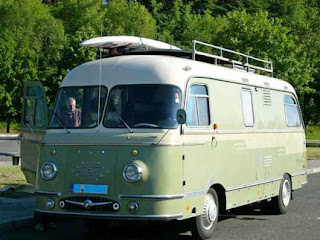 http://1.bp.blogspot.com/-10ml2J5Ukh0/TzJc1YNDWOI/AAAAAAAAAec/gnvgB6izJJY/s320/1959-Mifaka-Reisemobil.jpg