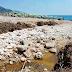 Mattinata. Sprofonda Lido Sant'Antonio, tra un canalone non pulito e il mare. Il Video denuncia
