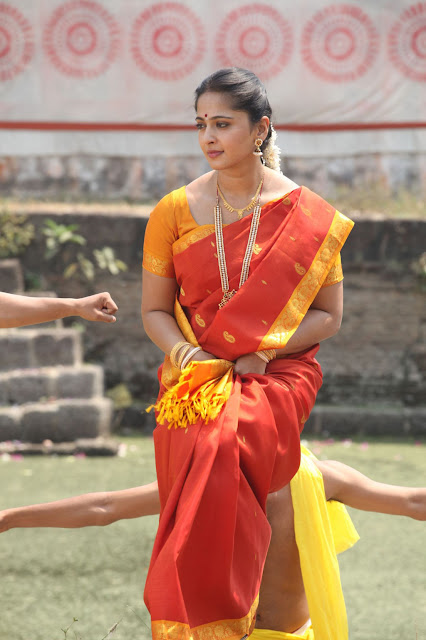 Anushka Shetty Orange Traditional Saree