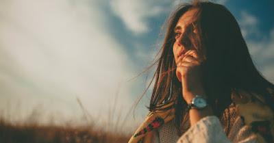 O femeie care se gândește - imagine preluată de pe site-ul biblestudytools.com