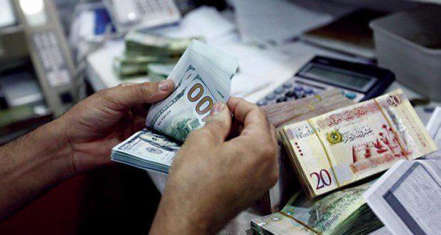 """ليبيا.. مخاطر اقتصادية تعمل في اعاقات """"دفعات الاموال"""" على دولة مصر"""
