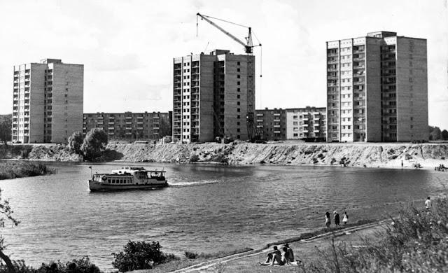1970-1971-й годы. Рига. Югла. Еще не построена набережная. Идет строительство дома на аллее Видземес, 3