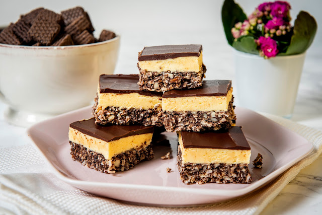 nanaimo bars with loacker wafers