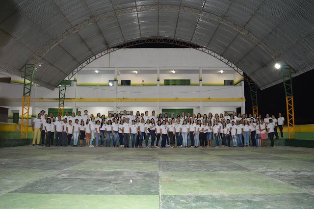 LOCAL: Equipe do Colégio Osvaldo Benício celebra os 30 anos e dia dos professores.