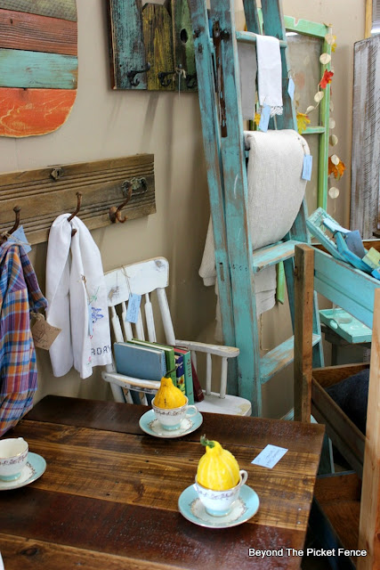 farmhouse, highchair, old ladder, blanket display, coat hook, old books, fall display, turquoise paint, http://goo.gl/CJQLRN