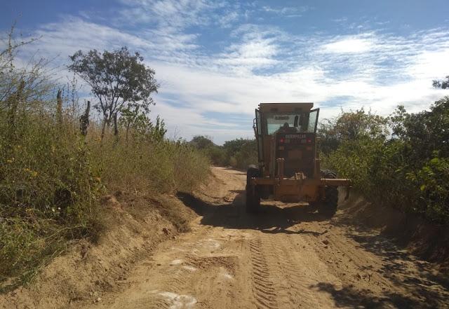 Prefeitura de Riacho dos Cavalos inicia recuperação de estradas Vicinais na zona Rural