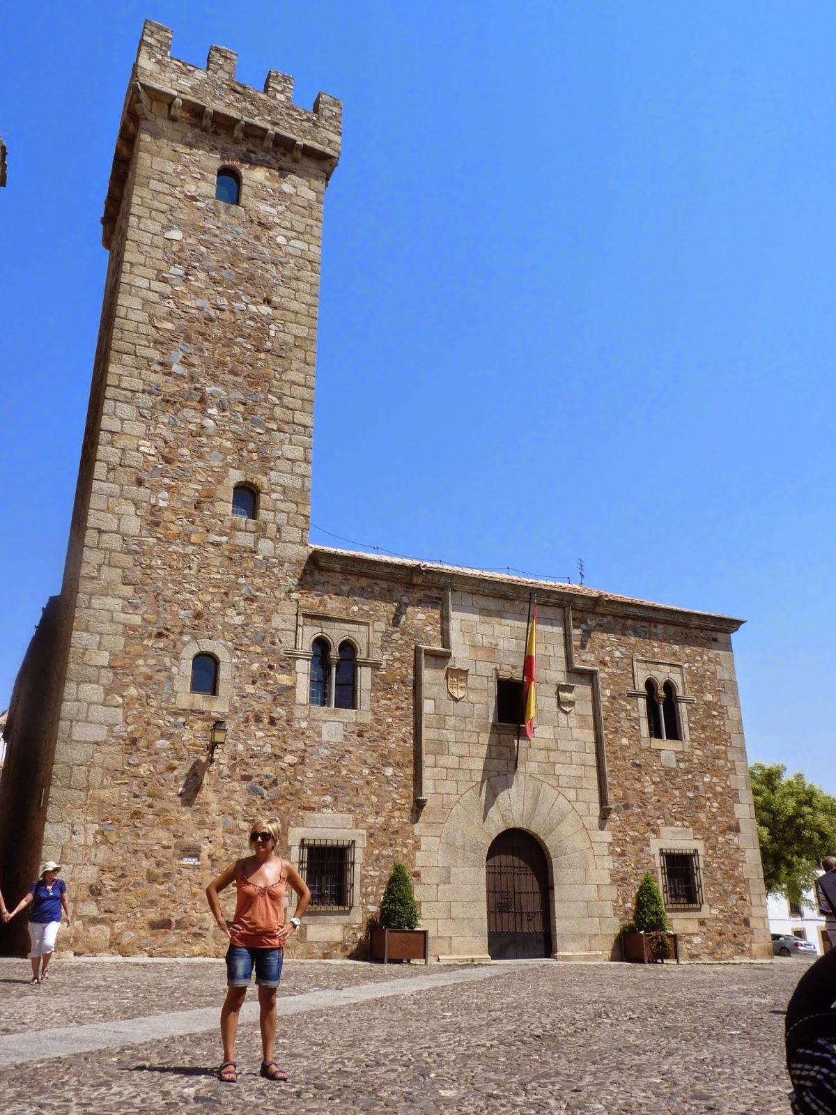 Cáceres, Plaza de San Pablo, Palacio y Torre de las Cigüeñas.