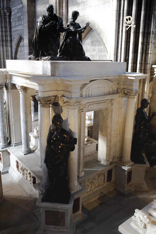 Tumba de Enrique II de Francia y Catalina de Médicis en San Denis