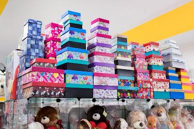 Fotografia do interior da loja Curumins Silva Confecções & Papelaria, em Ponto Novo, Bahia, produzida por Romilson Almeida/Guia Ponto Novo