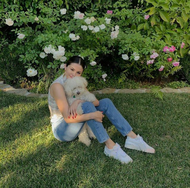 Selena Gomez Cute HD 4K Wallpaper 2018