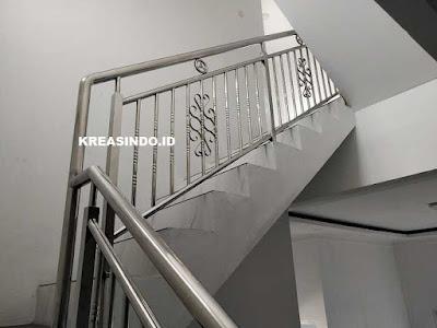 Railing Stainless dan Railing Besi Minimallis pesanan Bpk Kartono di Perum Nirwana Estate Cibinong