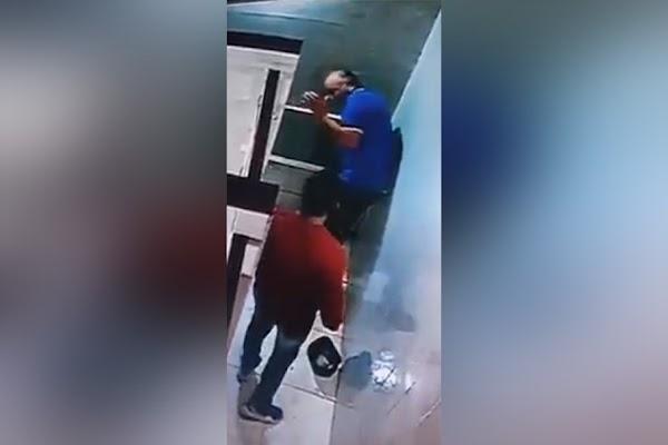 Taxista golpea y roba a abuelito y este muere tras agresión (VIDEO)