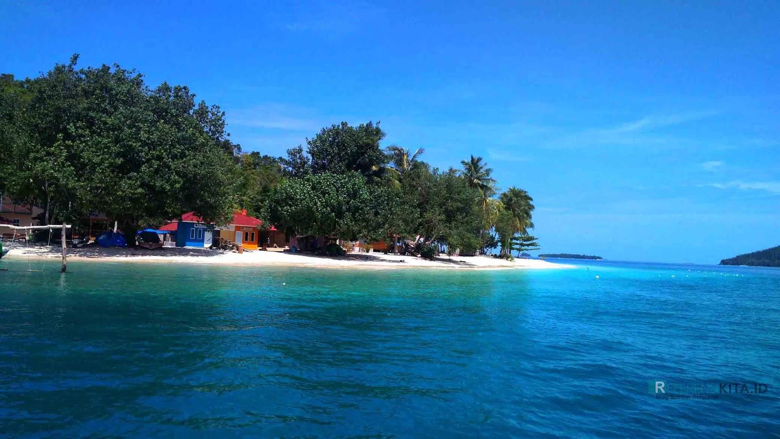 Wisata Pulau Pagang terletak di bagian wisata mandeh pesisir selatan