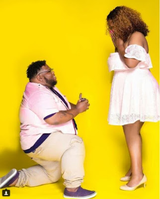 Big-sized Man Kneels To Propose To His Girlfriend (Photos)