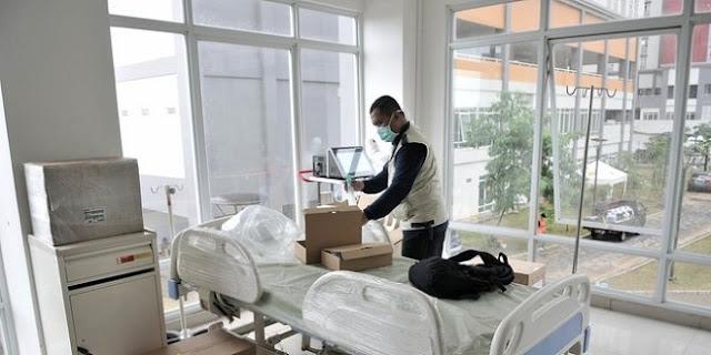 Manfaatkan Teknologi, Begini Cara Pasien Dan Perawat Berkomunikasi Di RS Darurat Wisma Atlet