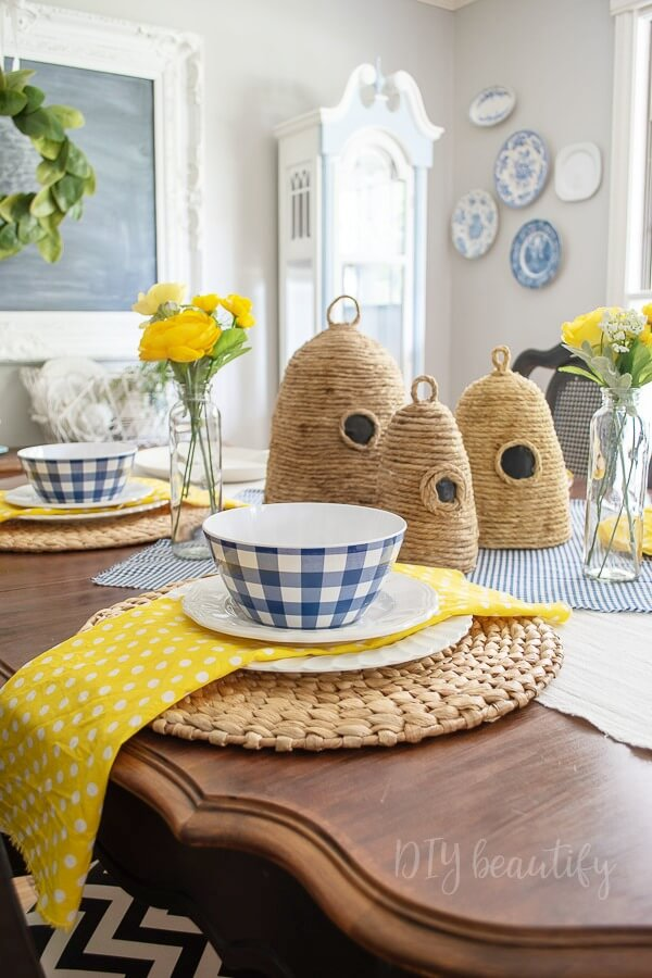 DIY bee skeps center piece