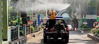 Penyemprotan Cairan Disinfektan di Kampus UNISNU Jepara