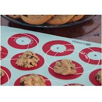 Un tapis de cuisson avec cercles dessinés dessus