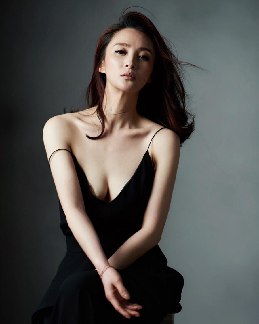 cewek manis dan seksi dari China Jiang Qinqin
