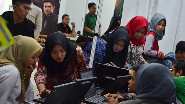Penyerapan Tenaga Kerja di Era Jokowi Lebih Rendah Dibanding SBY, Ini Datanya