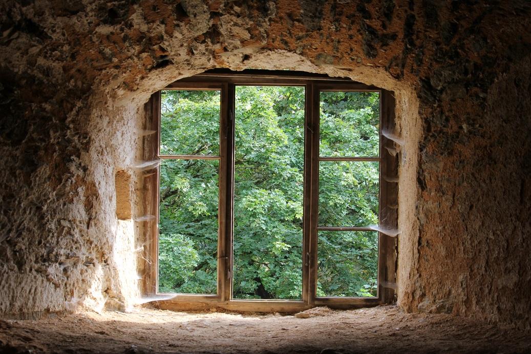 pohled z okna zříceniny Nový Hrádek u Lukova
